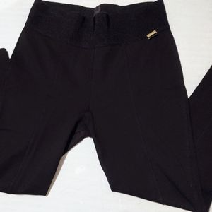 2/$10 Calvin Klein Power Stretch pants Size Large